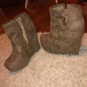 Journey's bootie wedges with buckle